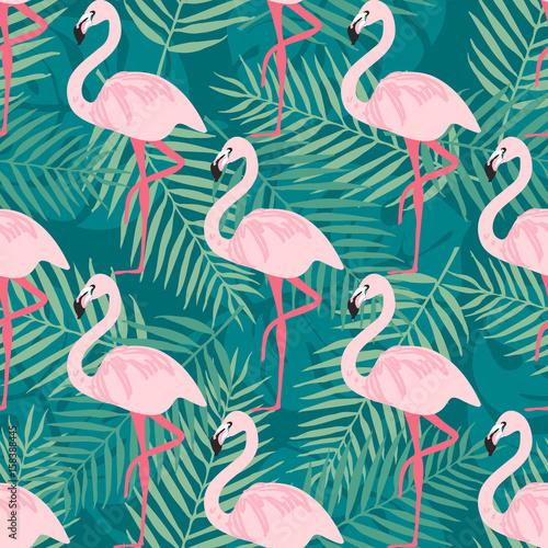 tropikalny-trrendy-bezszwowy-wzor-z-rozowym-flamingiem-tropikalni-liscie-tlo-plaza-rajski-wzor-tropikalny-ptak-i-lisc