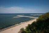 Widok na plażę z klifu w Jarosławcu - 158392427