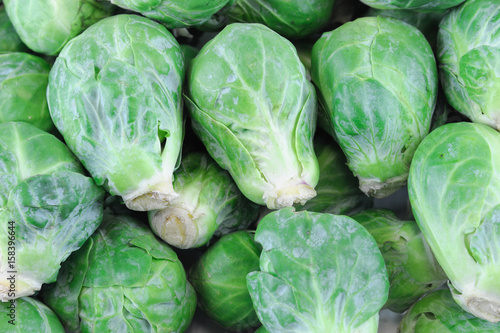 Papiers peints Bruxelles fresh brussel sprout vegetable as food background