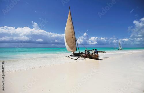 Foto op Plexiglas Zanzibar local fishermen dhow