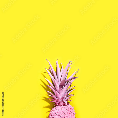 Pink painted pineapple - 158426813