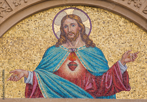 Plakát TURIN, ITALY - MARCH 15, 2017: The mosaic of Heart of Jesus on the facade of  Chiesa del Sacro Cuore di Gesu on the square Piazza Maria Ausiliatrice by unknown artist from end of 19