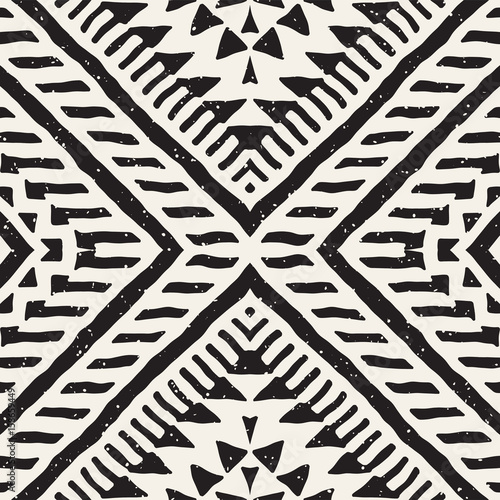 Black and white tribal vector seamless pattern with doodle elements. Aztec abstract art print. Ethnic ornamental hand drawn backdrop. - 158659449