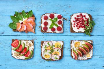 belegte Brote mit frischen Zutaten