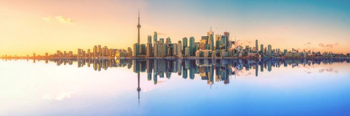 Toronto Skyline Mirror Panorama © Simon Velazquez
