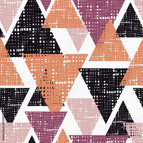 bezszwowe-tlo-wzor-trojkatow-z-otworami-ilustracji-wektorowych-zgodnosc-z-tekstem
