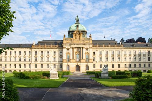 Sitz der tschechischen Regierung in der Straka Akademie, Prag, Tschechische Repu
