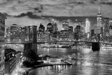 Brooklyn Bridge and Manhattan at night, New York City, USA.