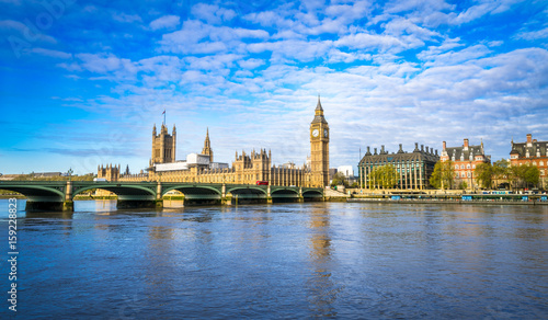 Foto op Canvas Londen Big Ben and Westminster parliament in London, United Kingdom at sunny day