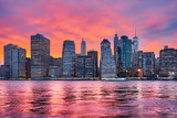 Fototapety Purple sunset over Manhattan, New York City, USA