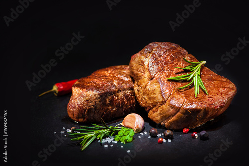 Grilled beef fillet steaks with spices - 159482453