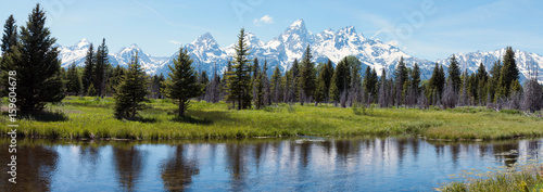 Staande foto Panoramafoto s Grand Tetons and reflection