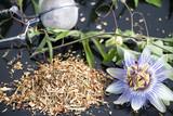 getrocknete Kräuter von der Passionsblume als Tee