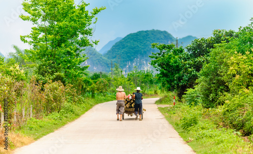 Aluminium Guilin View on Chinese Farmer by Yangshuo in China