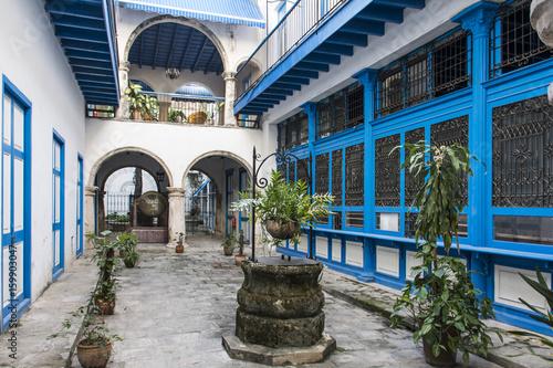 Foto op Canvas Havana Innenhof von