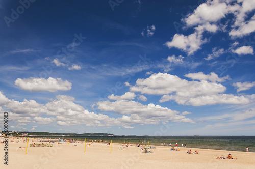 malownicza bałtycka plaża w gdańsku oliwie, polska