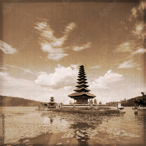 Bali - Ulun Danu Temple (Old photo effect)