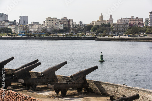 "Papiers peints La Havane Blick vom ""Castillo del Morro"" auf die Stadt Havanna."