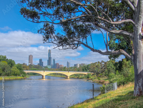Yarra River and Melbourne City © danieldep
