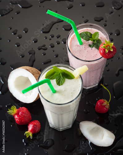 Papiers peints Lait, Milk-shake Milk shakes with fruit