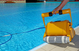 cleaning machine for cleaning the bottom of swimming pools - 160571229