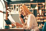 Fototapety Business Woman in Coffe Shop