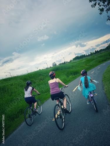 Zdjęcia na płótnie, fototapety, obrazy :  vélos