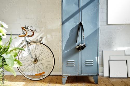 Fotobehang Fiets creative apartment vintage decoration frames and vivid sunlight