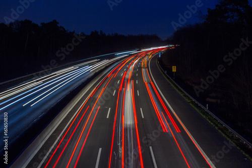 Foto op Aluminium Nacht snelweg autobahn stau nacht licht auto autos