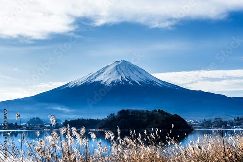 Fototapeta Fuji mountain with blue sky, landscape in Japan