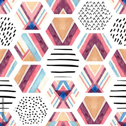 akwarela-szesciokat-wzor-z-geometrycznych-elementow-ozdobnych