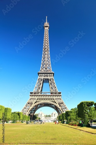 Fotobehang Eiffeltoren The Beautiful Eiffel Tower in Paris, France