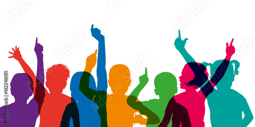 enfant - école - lever la main - éducation - réponse - répondre - connaissance - 162246081