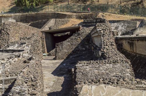 Tuinposter Weg in bos pirámides aztecas cholula puebla