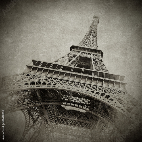 Vintage image of Eiffel tower, Paris, France - 162478228