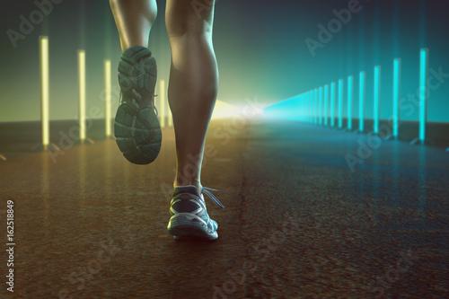 Poster Läuferin auf farbig beleuchteter Straße