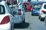 voiture départ vacances embouteillage queue bouchon autoroute péage attendre attente patience