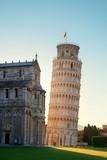 Krzywa wieża w wschodzie w Pizie