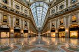 Milano, galleria in notturna - 162647881