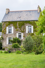 Captain house with ivy on the walls, ile d'Arz in Brittany