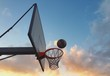 palla da basket entra nel canestro - 162860888