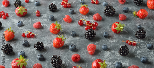 Different forest berries - 162985236