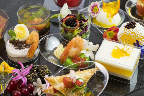 Canape desserts and snack in plastic cups buy photos for Where to buy canape cups