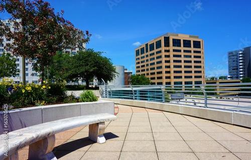 Plagát Walkway - Curving Rooftop