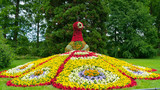 Fototapety A colorful floral figure of a bird's fire on the island of Mainau.
