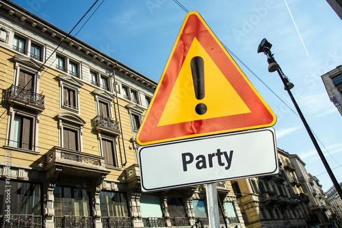 Schild 220 - Party