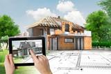 Projet de maison en construction avec charpente apparente - 163435888