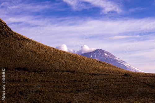 Fotobehang Purper Mexico volcanos Popocatepetl Iztaccihuatl
