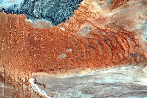 Plagát Strukturen in der Kalahariwüste aus dem All - Bild beinhaltet modifizierte Coper