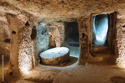 Derinkuyu underground city in Cappadocia, Turkey. Plakát